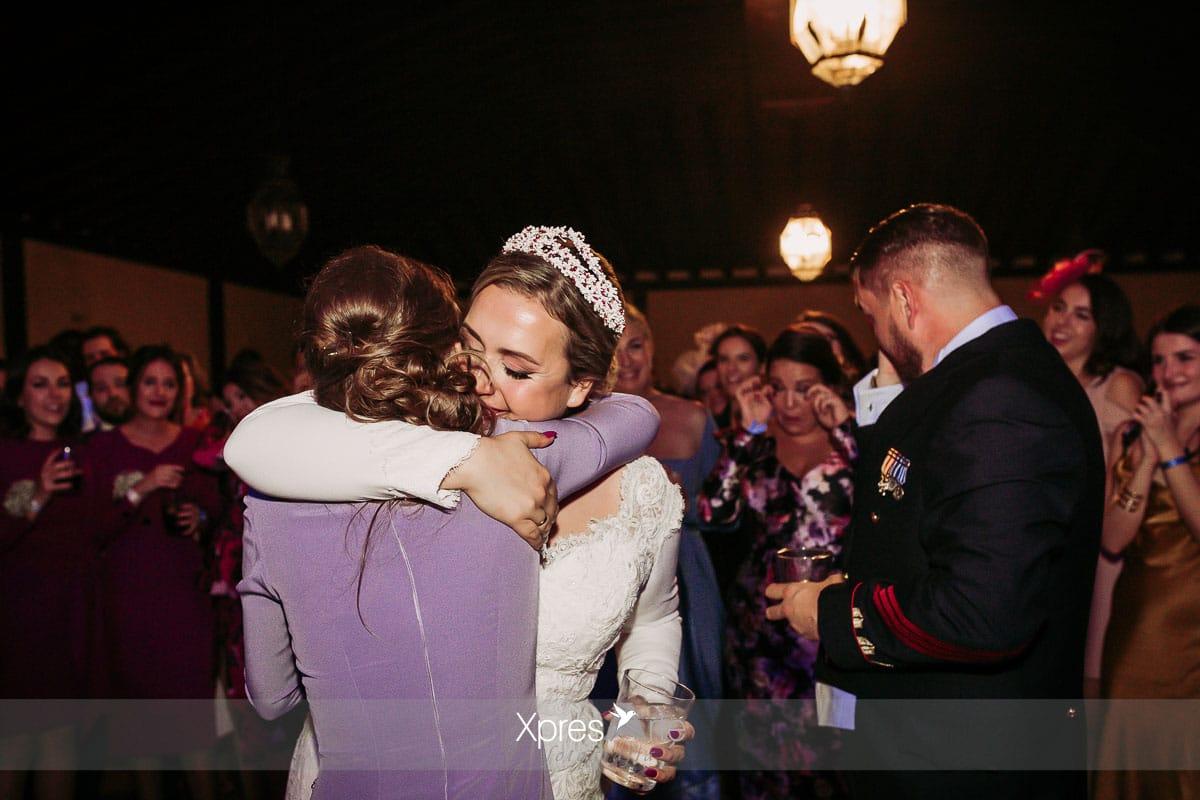 Abrazos el día de la boda