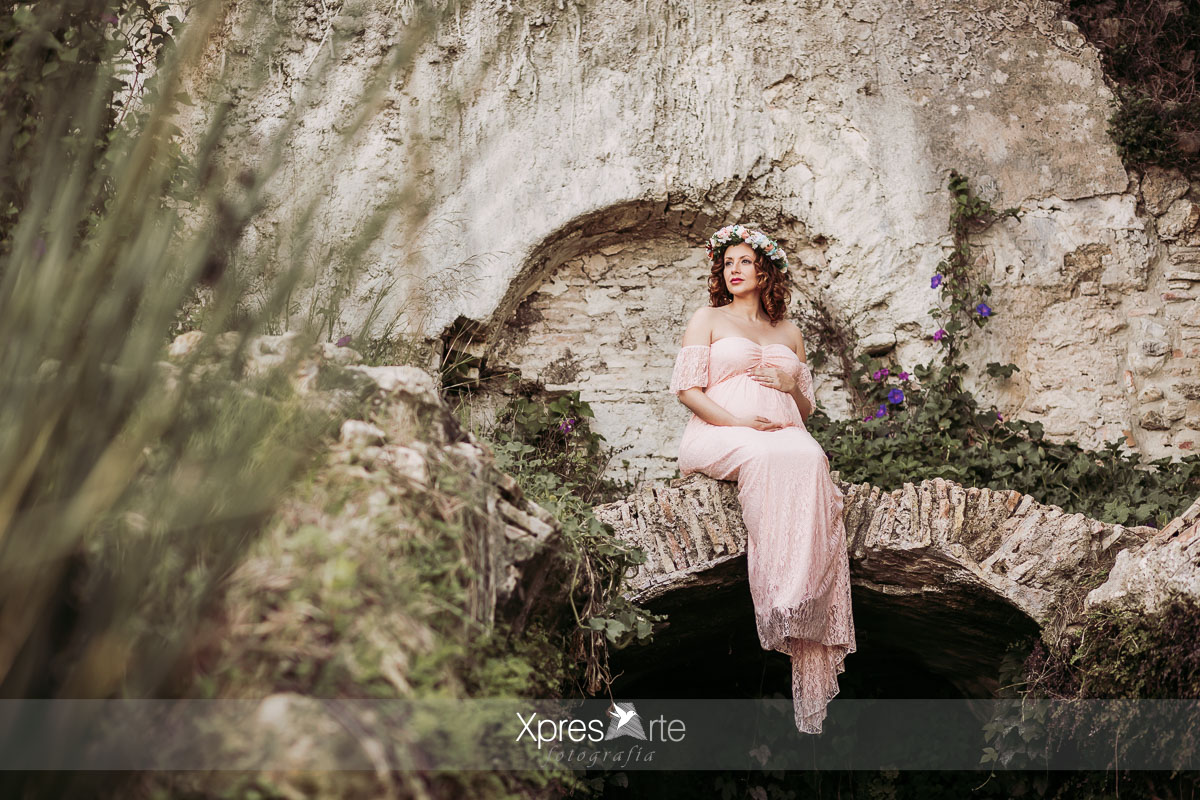 Sesión de fotos de embarazada en exterior